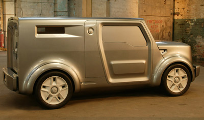 Photo of Ford SYNus concept car.